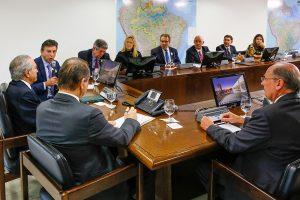 Brasília - DF, 23/08/2016. Presidente em Exercício Michel Temer recebe Ricardo Barros, ministro da Saúde, e Claudio Lottenberg, presidente do Instituto Coalizão Saúde-ICOS. Foto: Marcos Corrêa/PR