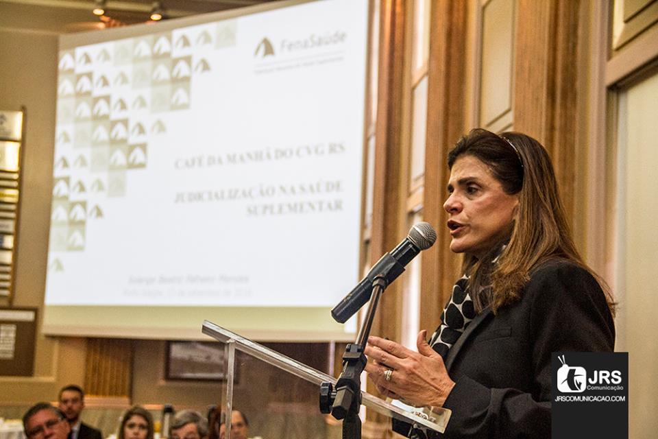 Solange Beatriz é Diretora de Relações de Consumo e de Comunicação da Confederação das Seguradoras / Arquivo JRS
