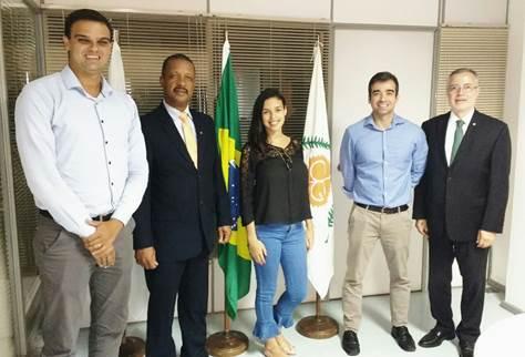 Na sede do CVG-RJ, da esquerda para direita: Bruno Magalhães, Carlos Ivo Gonçalves, Bianca Bezerra, André Petra e Marcello Hollanda.