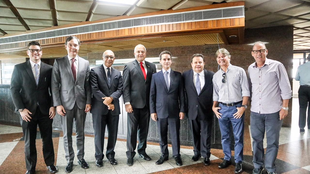Executivos da Sompo e do Clube dos Seguradores da Bahia
