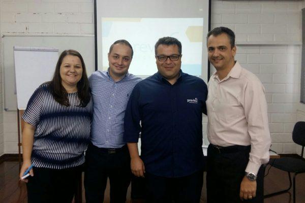 Gerente e consultores da Previsul Seguradora na sucursal São Paulo