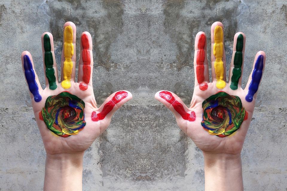 Mãos e cores