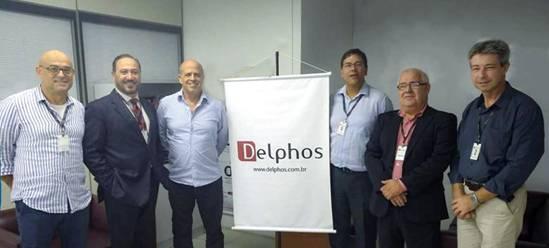 Fernando Menezes, diretor da Delphos; Jorge Santos Silva, diretor comercial da ITPeers para a América Latina, Eduardo Menezes, presidente da Delphos; Carlos Trindade, diretor de TI da Delphos, Marcelo Carvalho, representante ITPeers no Brasil, e Leandro Kling, Coordenador de Sistema BPO.