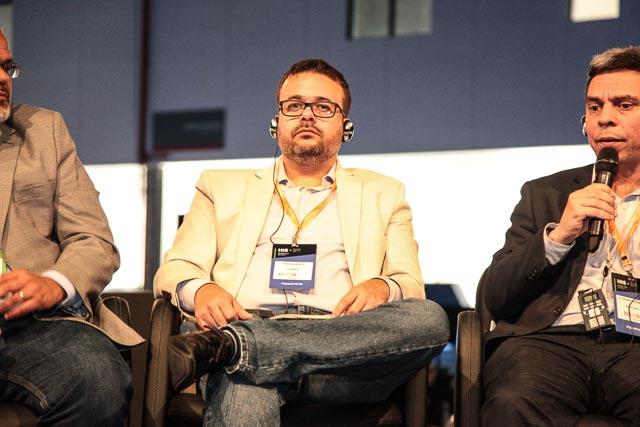 Cristiano Barbieri durante o painel 'IoT e Analytics na rotina da operação de saúde'