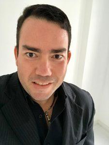 O corretor de seguros especialista, Neto Menezes / Divulgação