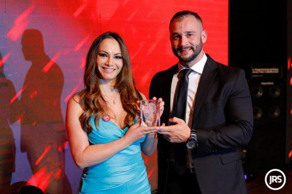 Fabiana Mello, gerente comercial da Seguros SURA, durante cerimônia do Troféu JRS 2018