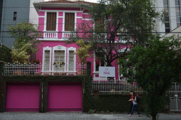 Casa do projeto Coletivo Pink – Por um Outubro Além do Rosa, que será um ponto de informação sobre o câncer de mama e espaço de acolhimento para as pacientes e suas famílias, na rua Bela Cintra, Bela Vista, região central de São Paulo.