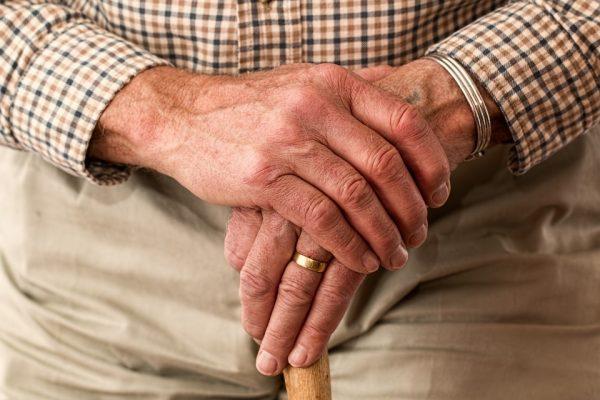 Cuidados com ambientes para pessoas acima dos 60 anos