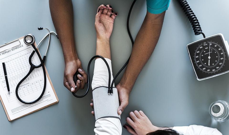 ANS suspende a venda de 17 planos de saúde