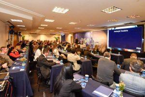 Corretores de seguros debatem crescimento e normas do transporte de cargas no Brasil