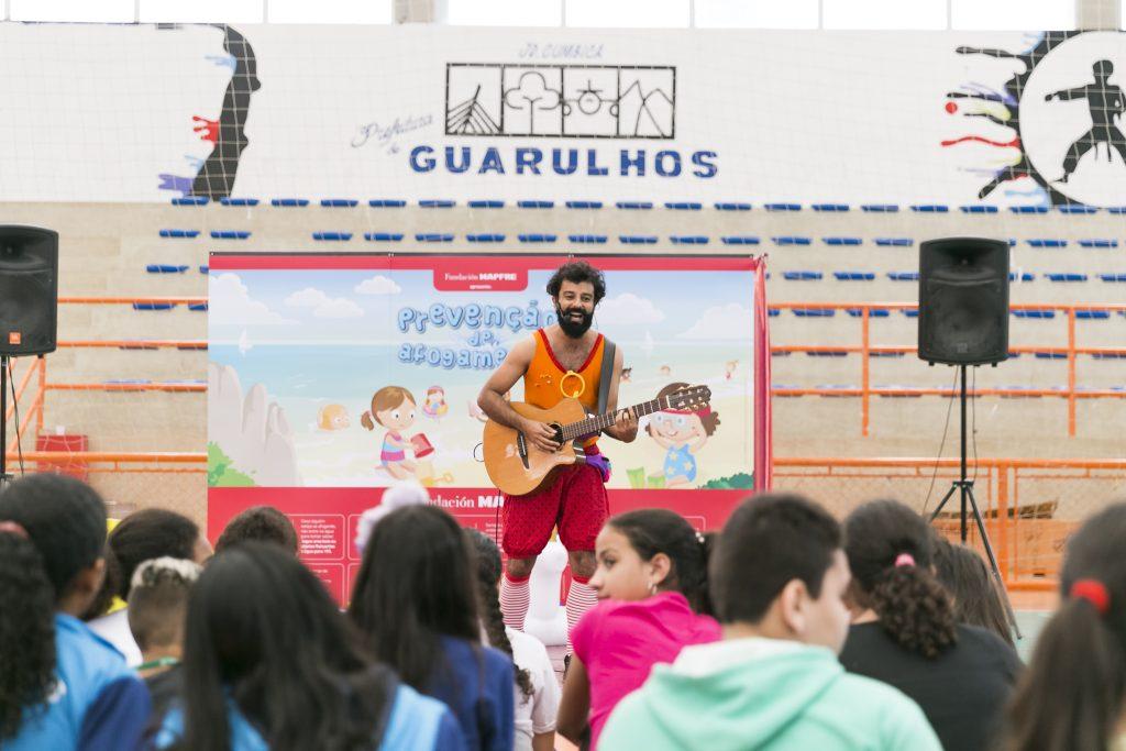 Fundación MAPFRE realiza ação de Prevenção a Afogamentos e Guarulhos