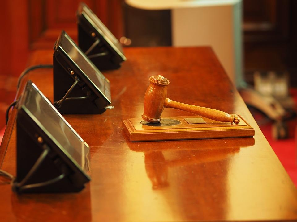 Empresa indenizará por não fornecer cópia da apólice de seguro a funcionário