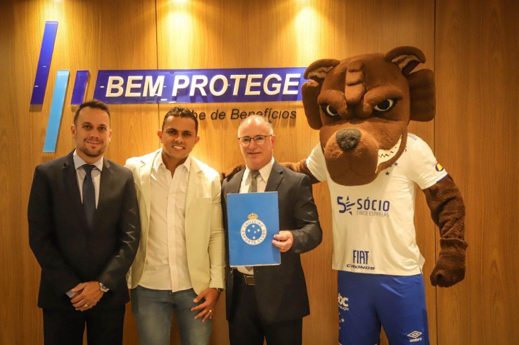 Mais clubes assinam contratos de patrocínio com associações de proteção veicular