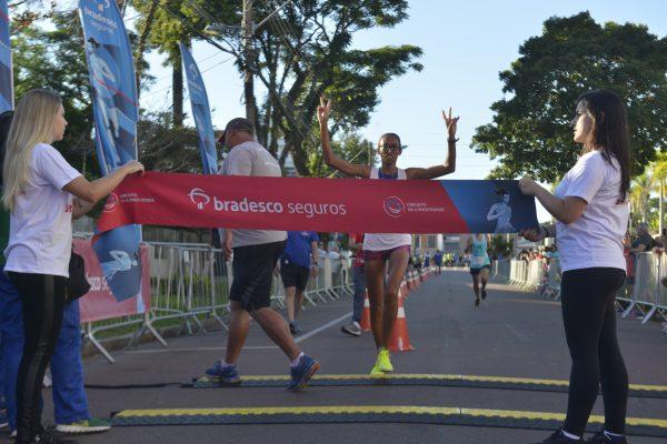 Ederson Vilela e Kleidiane Barbosa vencem a etapa de Curitiba do Circuito da Longevidade