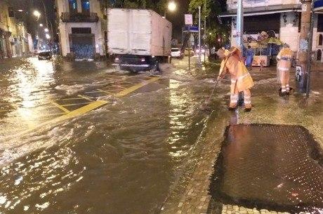 Aulas em escolas públicas são suspensas após forte chuva no RJ