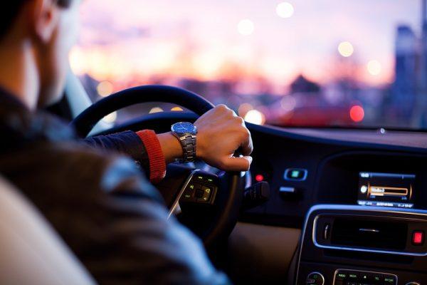 Você sabe como e quando renovar o seguro auto?