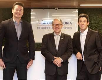 O diretor da D'Or Consultoria, Bruno Iannuzzi, o presidente da SulAmérica, Gabriel Portella, e o CEO da D'Or Consultoria, Bruno Blatt / Divulgação