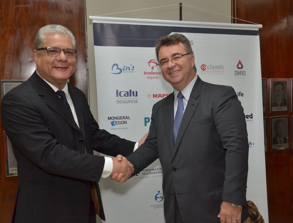 João Paulo Mello (presidente do CSP-MG) e Jorge Nasser (presidente da FenaPrevi)