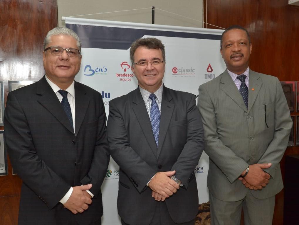 João Paulo Mello (pres. CSP-MG), Jorge Nasser (pres. FenaPrevi) e Carlos Ivo (pres. CVG-RJ)
