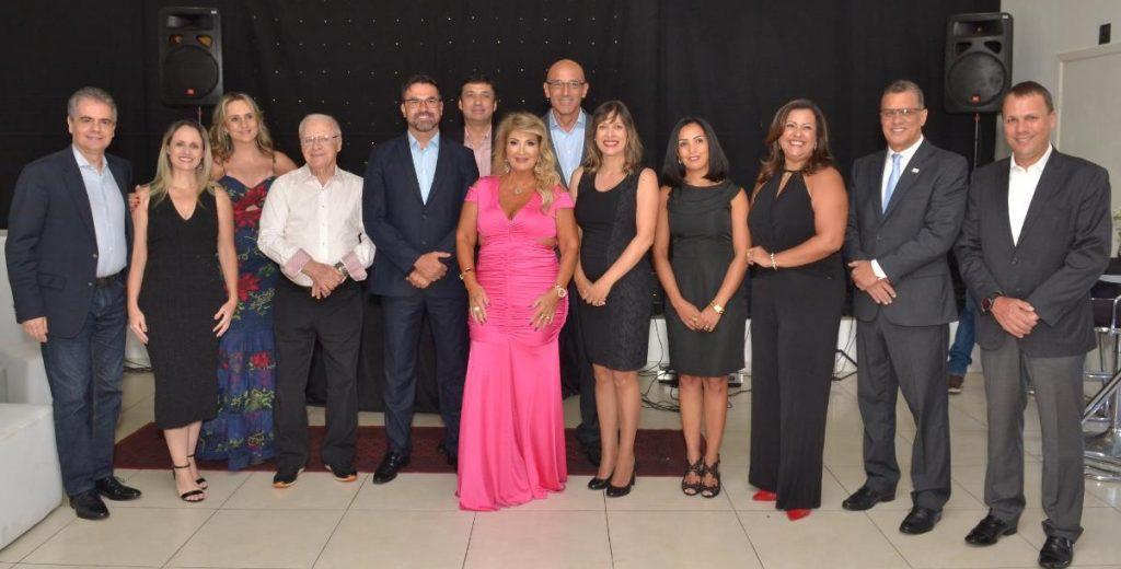Executivos de seguradoras parceiras e integrantes da nova diretoria