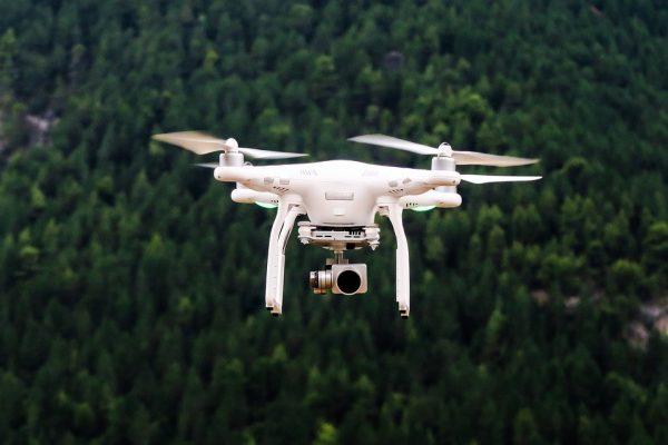 Indra lança solução pioneira para gerenciar o tráfego de drones