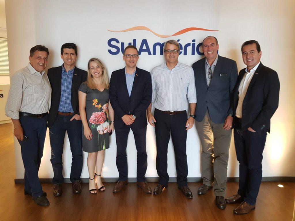 Equipes da SulAmérica e Rede Lojacorr reforçam parceria estratégica
