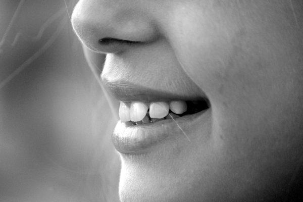 Cuidar dos dentes resulta no bem-estar de todo o organismo