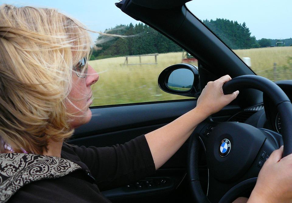 Seguro auto para mulher é mais barato? Nem sempre!