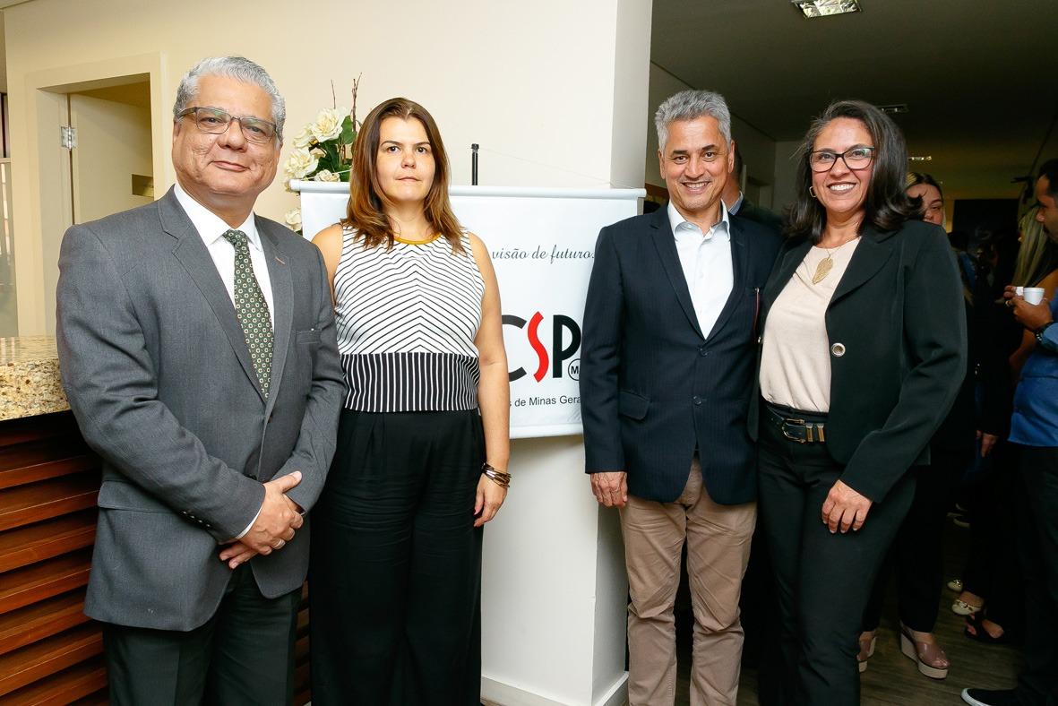 João Paulo Mello (CSP-MG), Nivea Barros (Escola Nacional de Seguros), Evaldo de Paula (Sincor-MG) e Claudia Perdigão (SindSeg MG/GO/MT/DF)