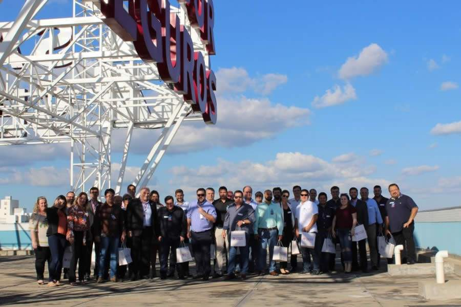 Corretores de São Paulo visitam a sede da Sancor Seguros, em Maringá (PR)