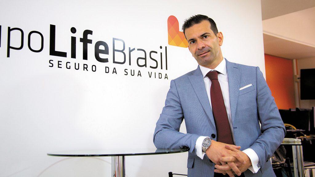 """Istoé destaca operações do fundador e CEO do Grupo Life Brasil: """"Show do Bilhão"""""""