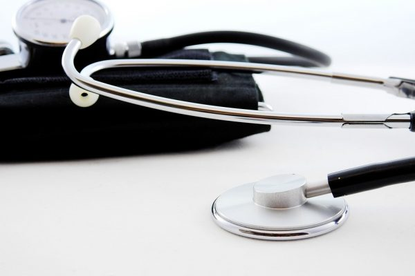 Pequenas empresas podem economizar mais de 40% com planos de saúde