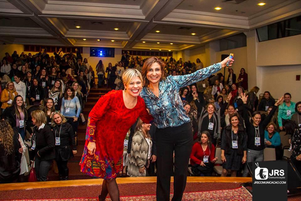 Encontro Feminino mobiliza centenas de corretoras de seguros em Porto Alegre