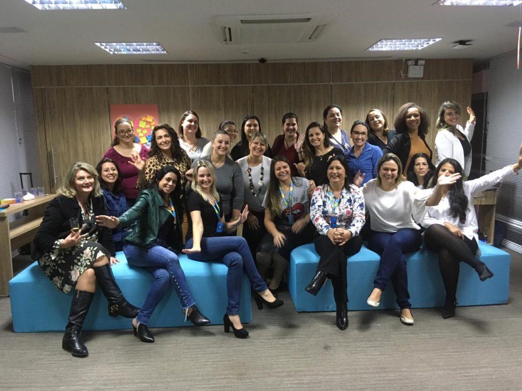Colaboradoras da Previsul Seguradora participam de encontro sobre maternidade