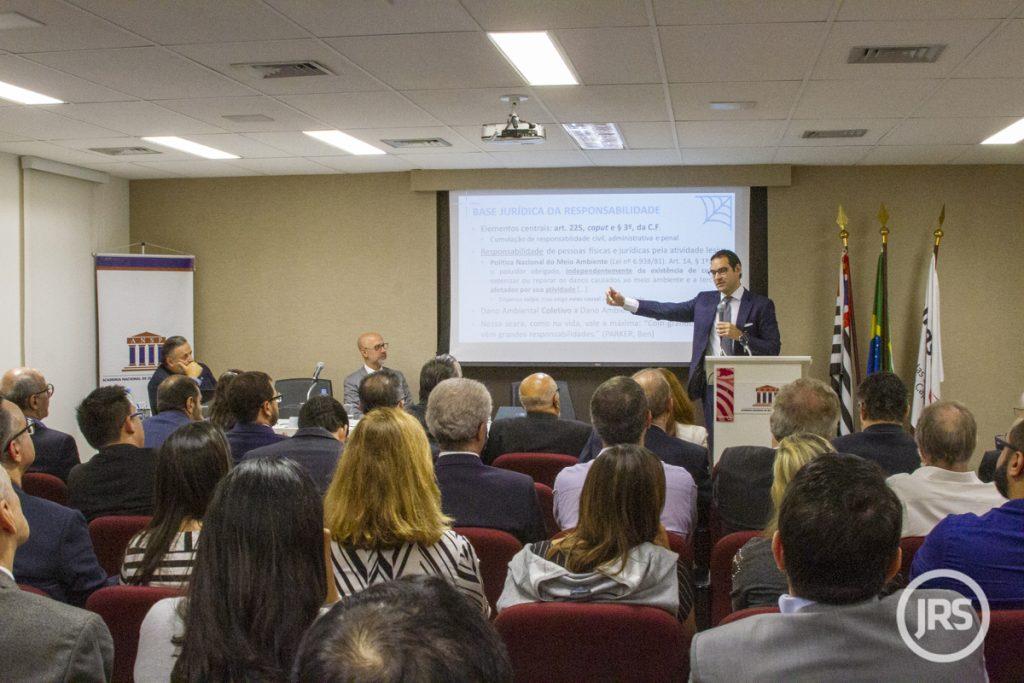 Especialistas discutem aspectos regulatórios e visão corporativa da legislação ambiental
