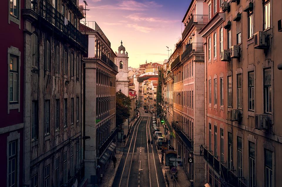 Viajar para Europa está mais barato do que para os EUA, aponta estudo