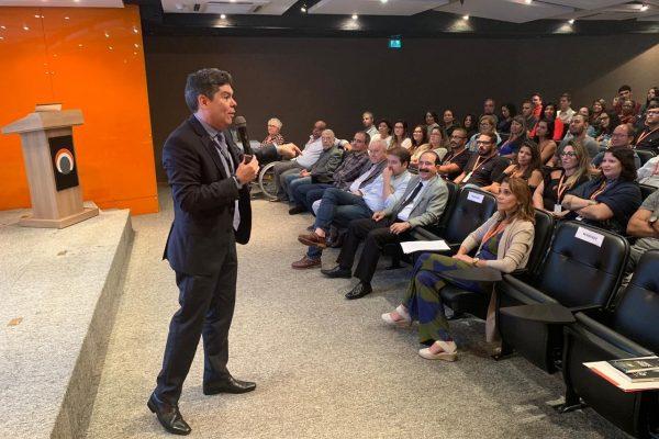 Capemisa realiza palestra sobre educação financeira com o consultor José Edson Cunha