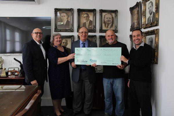 União Seguradora entrega prêmio a segurado de Vida sorteado em Capitalização