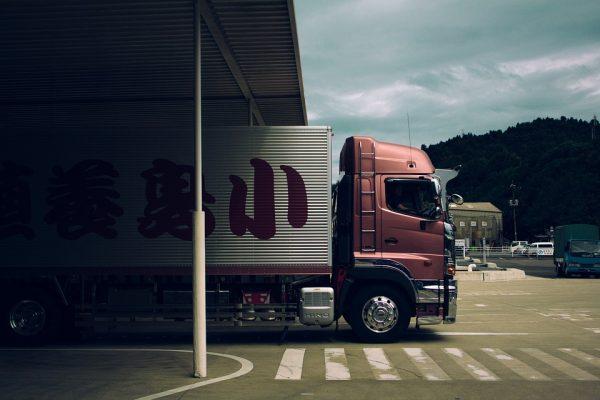 Repom e Delta Global Assistance firmam parceria para oferecer assistência 24 horas a caminhoneiros