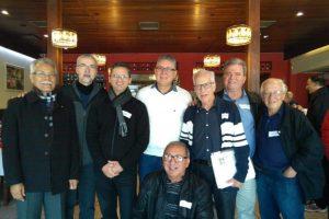 Alguns dos ex-funcionários da Cia. União de Seguros Gerais em um dos últimos encontros / Reprodução