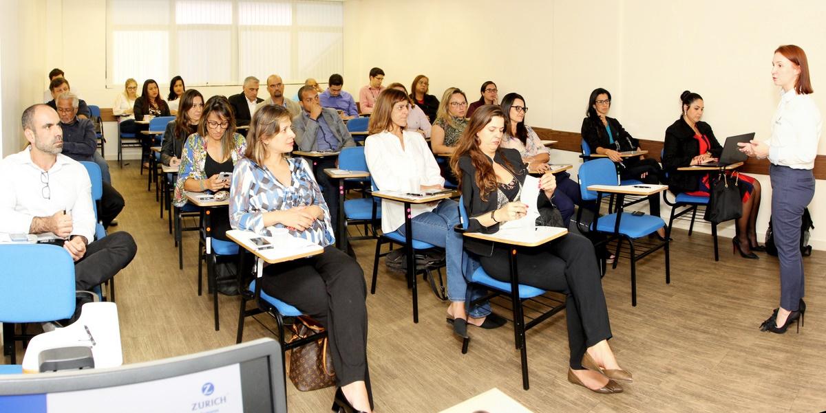 Karina Paiva, especialista em Planejamento de Negócio Life da Zurich Minas Brasil