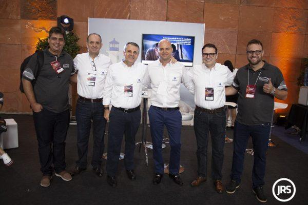 O Diretor Regional da Zurich Seguros, Waldecyr Schilling, e a equipe da companhia na Região Sul / Arquivo JRS