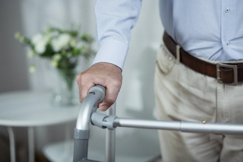 Longevidade do brasileiro faz crescer procura por serviços de home care