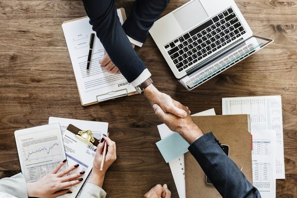 Prudential e Itaú Corretora comemoram primeiro ano de parceria em seguros individuais