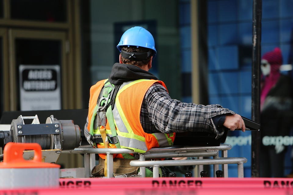 Chubb diz que seguro para falhas de engenheiros e arquitetos tem demanda mais resistente às retrações da economia