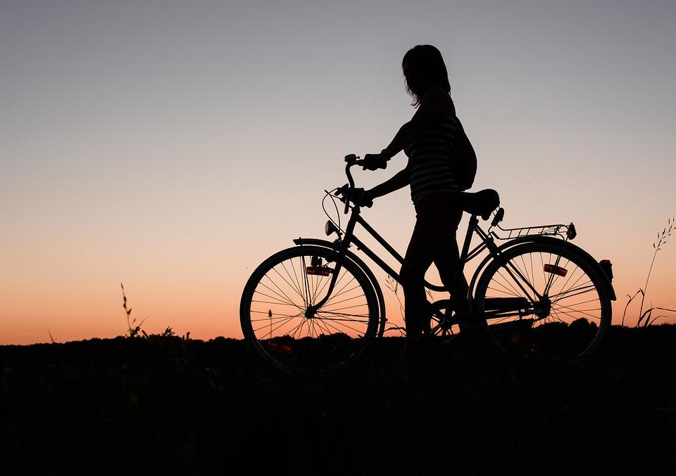 Seguros SURA lança solução de seguros para quem anda de bicicleta