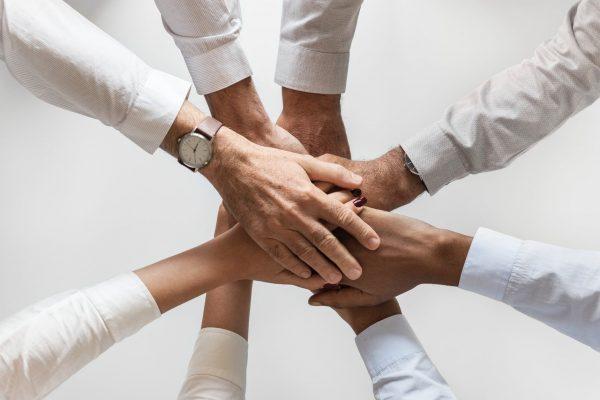 Kuantta Consultoria fecha parceria com Bom pra Crédito