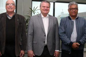 Evaldir Barboza de Paula, mentor do CCS-SP, José Adalberto Ferrara, presidente da Tokio Marine Seguradora e Jorge Teixeira Barbosa, diretor do CCS-SP / Divulgação
