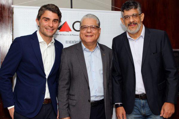 Cadu Sarkovas (Thinkseg), João Paulo Mello (presidente do CSP-MG) e Mauricio Tadeu (Ways Gestão Empresarial) / Fotos: Arnaldo Athayde