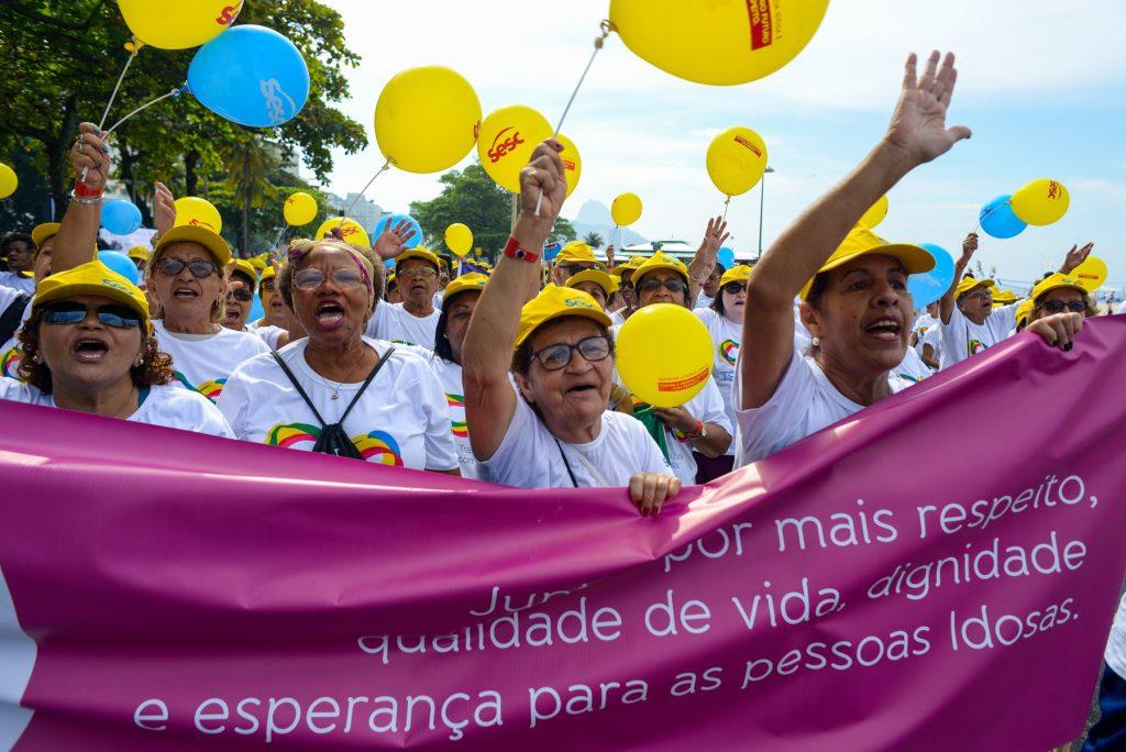 Caminhada do idoso deve reunir 10 mil pessoas em Copacabana dia 27